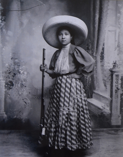 the role of women during the mexican revolution in the vine leaf by cristina mena And so it happened in mexico that during the decades which spanned independence and the mexican revolution, narratives about banditry came to articulate a broad cultural struggle to define the meaning of being mexican.
